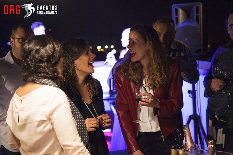 El equipo de ORG Eventos Stravagantza ha realizado el Evento Privado para la Empresa Inveresady y el Cumpleaños de Sara, junto a su hija Lucia. Ha sido una noche donde los invitados estaban felices y la verdad, que nosotros también. Hacer muy bien nuestro trabajo hace que los invitados y los protagonistas disfruten de una noche para recordar entre amigos. Gracias por elegirnos, hasta siempre!